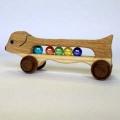 【♪手作り♪】 天然木使用 木のおもちゃ ダックス ☆ビー玉入り☆