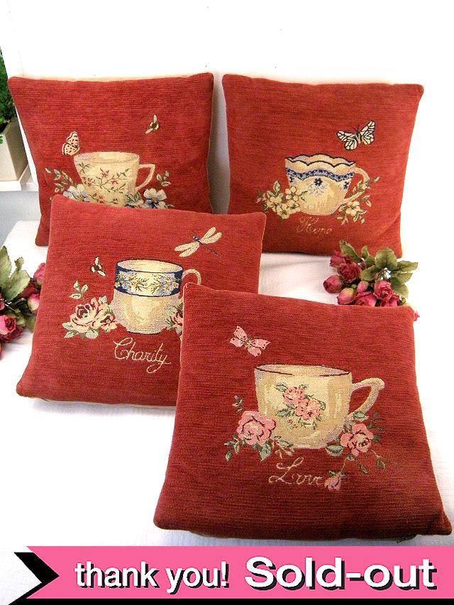 4つのカップと言葉♪美しいお花たちと蝶々の英国のクッション「4点セット」