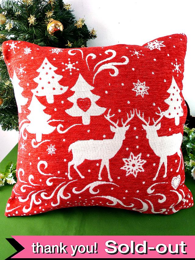 <英国流クリスマス>森のトナカイさん♪赤と白があたたかいクリスマスのクッション