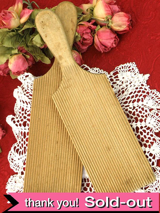 1910年代:お花たちが咲いたバタープレート「2枚セット」