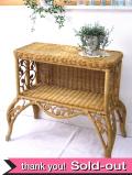 1940年代:優雅すぎる籐細工♪英国アンティークのラタンの収納付のシェルフテーブル