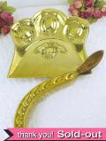 1920年代:無垢の真鍮細工が美しい大きなクライムトレイとブラシの豪華な2点セット