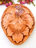 1920年代:立体的なブドウの実♪とても珍しい無垢の銅で作られたアンティークのお皿