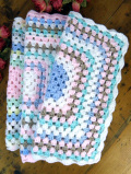 <英国ビンテージ>優しいお色たち♪スモールサイズの手編みのグラニーブランケット