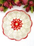 <英国ハンドメイド>赤いお花♪ベージュ色と赤いお花の英国ビンテージのレースドイリー