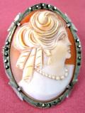 <英国スターリングシルバー>1920年代:きらめくマーカサイト♪銀細工が美しいシェルカメオの「2WAY」のブローチ