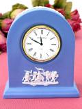 【30日間保証付】<ウェッジウッド>上品なブルージャスパー♪愛らしい天使たちの陶器の置時計