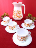 <フランス製:arcopal>オレンジとピンクの野の花たちが咲いたミルクガラスのティーセット「9点セット」