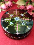 1960年代:ハンドペイントのお花たちが美しい分厚い木製のBOX