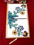 <英国ビンテージ>明るいお花たち♪タイルが美しいぶ厚い木製の楽しいチーズボード「お箱入り」