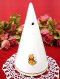 <英国ビンテージ>クマのプーさん♪陶器製の三角形の大きなペッパーボトル