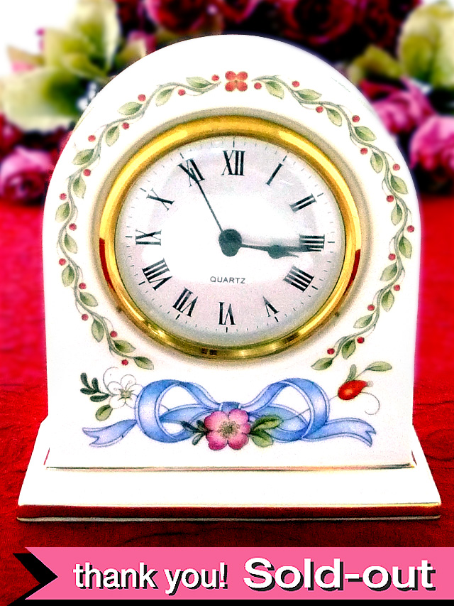 【30日間保証付】<ウェッジウッド>水色のおリボンのお花たち♪「RIBBON CASCADE」の素晴らしく美しい陶器の置時計