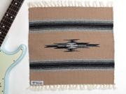 オルテガ 841515-096 手織りチマヨブランケット 38x38cm ベージュ