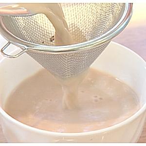 茶こし使用イメージ300|紅茶通販専門店 いい紅茶ドットコム