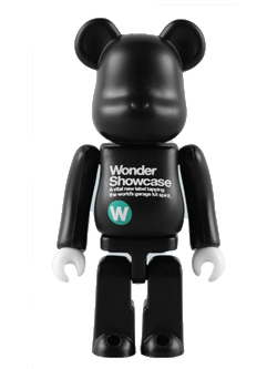 WF2009(夏)限定 Wonder Showcase BE@RBRICK 100%
