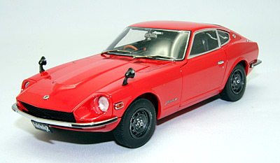1//24 EBBRO nissan fair lady ZL 24008 1971-rojo s30