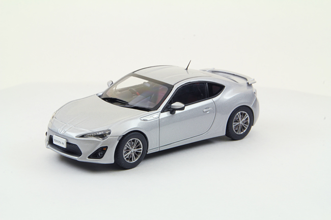 【44842】Toyota 86 (SILVER)