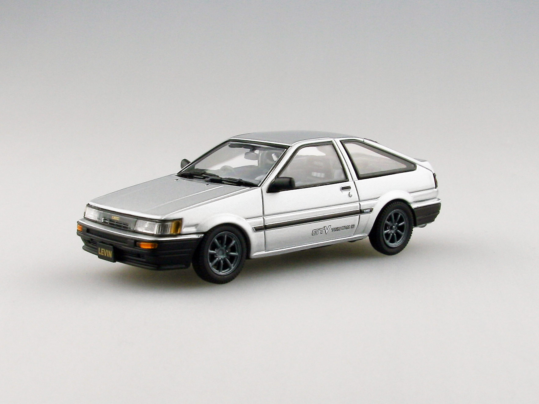 【45186】TOYOTA COROLLA LEVIN 1600GTV with alloy wheel (SILVER)