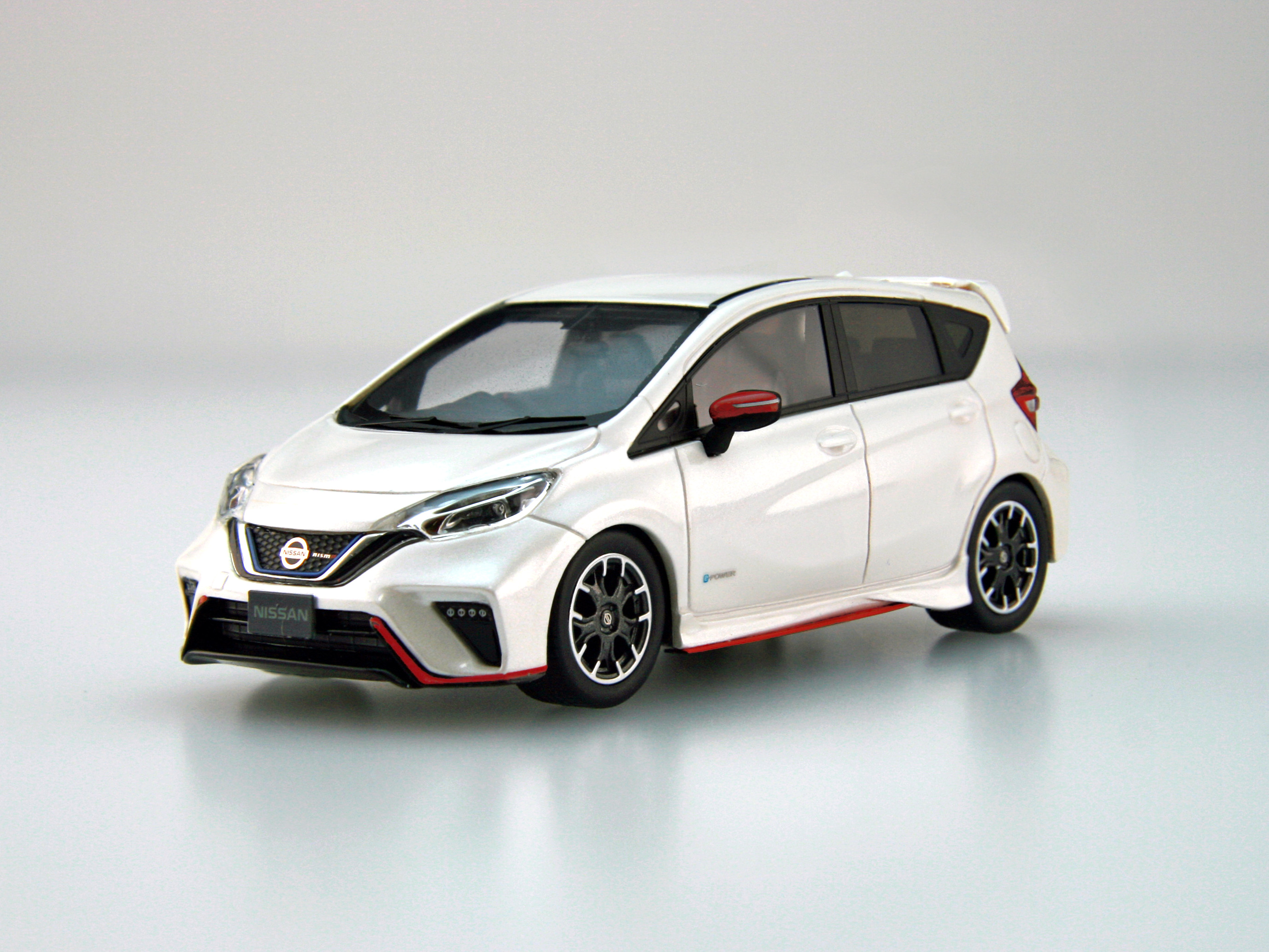 【45438】NISSAN NOTE e-POWER NISMO (Brilliant White Pearl) [RESIN]