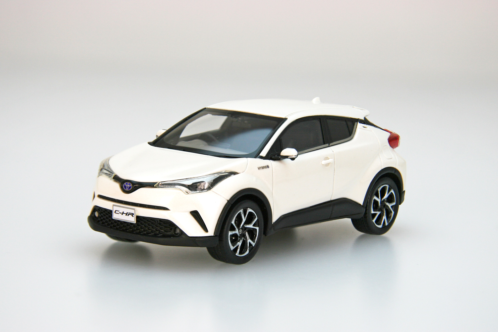【45599】TOYOTA C-HR (White Pearl Crystal Shine) [RESIN]