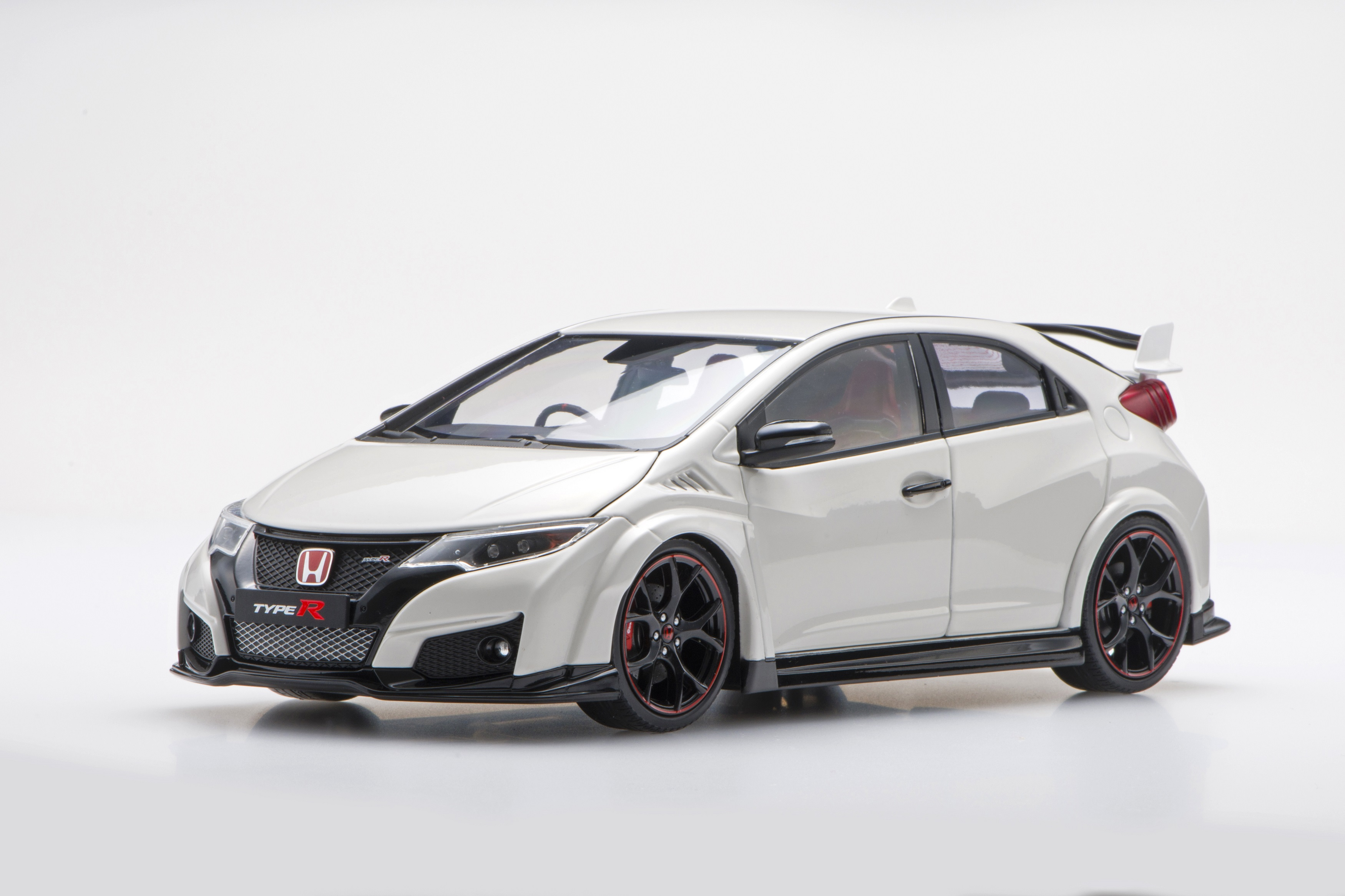 【81061】1/18 Honda CIVIC TYPE R 2015 (UK License Plate) (Championship White)