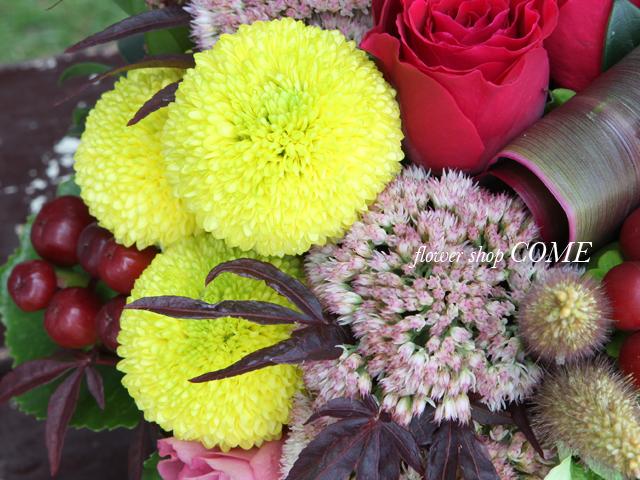 和花材を使ったアレンジメント