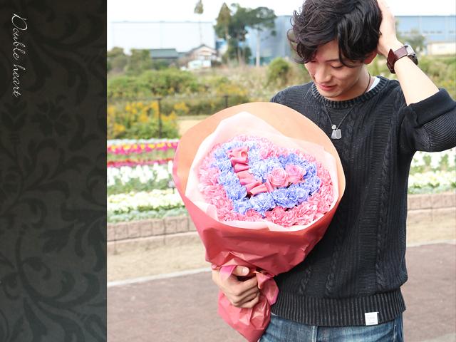 カーネーションとバラのハート型花束ダブルハートVer.