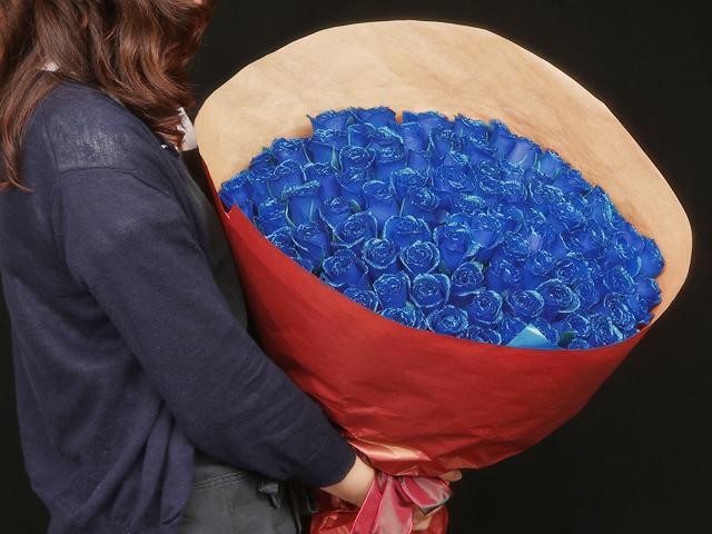 99本の煌薔薇の花束~きらきら輝くバラの宝石(花言葉カード付き) 【送料一律1800円(※一部地域を除く)】