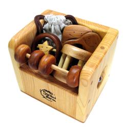 赤ちゃんのおもちゃ箱