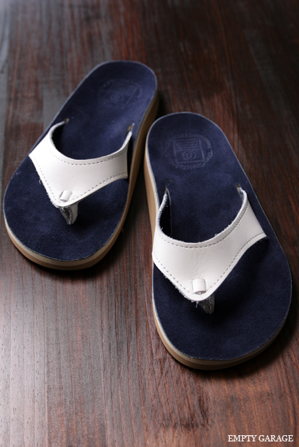 The Sandalman 501Narrow White Bullhide/Navy Suede
