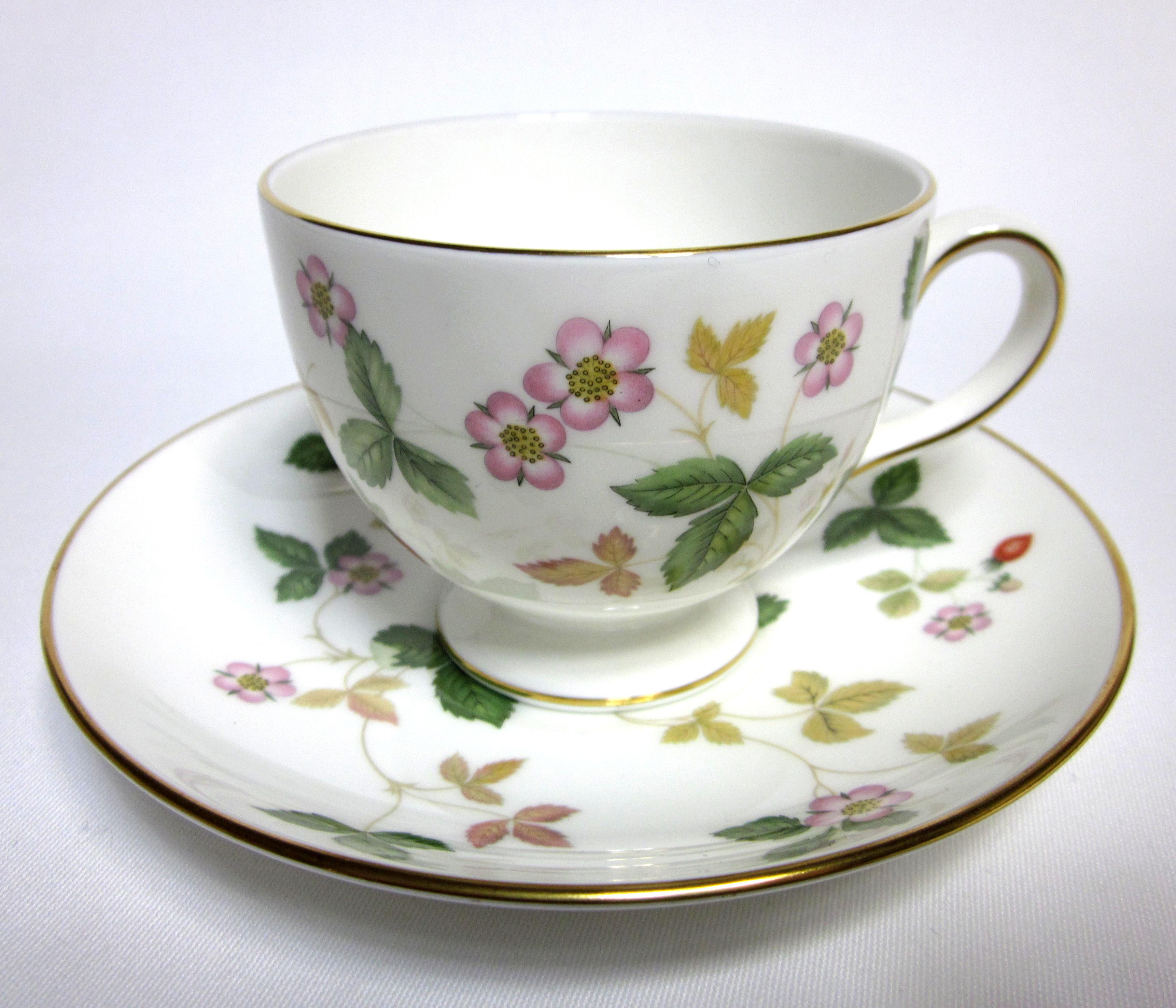 ウェッジウッド(Wedgwood)ワイルドストロベリー コーヒーカップ&ソーサー.