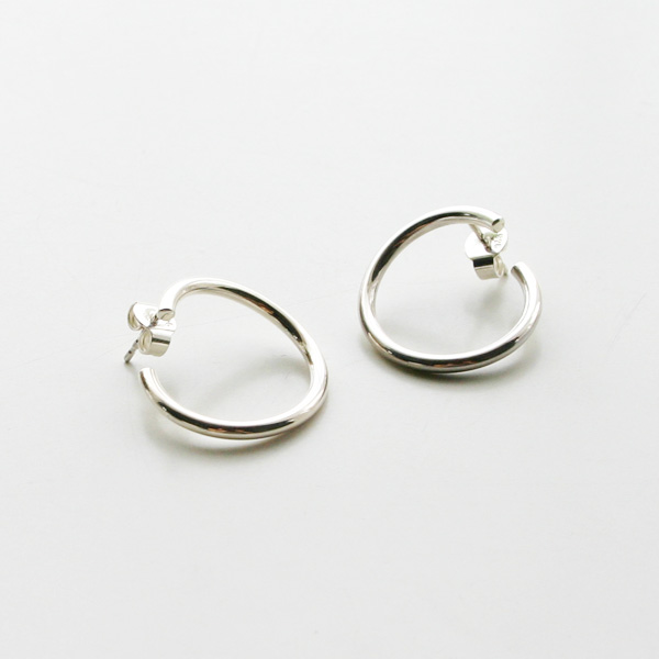 Saskia Diez/WIRE BOLD EARRINGS SPIRAL 925 AG