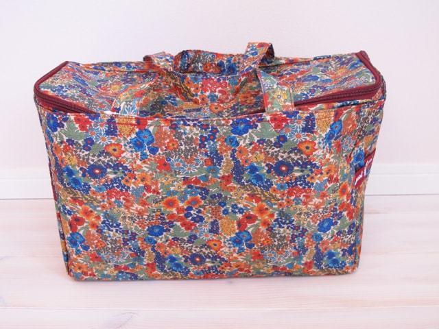 フラワープリント横型ボックス型バッグ(保冷)