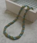 バーチカルロールで編むネックレス