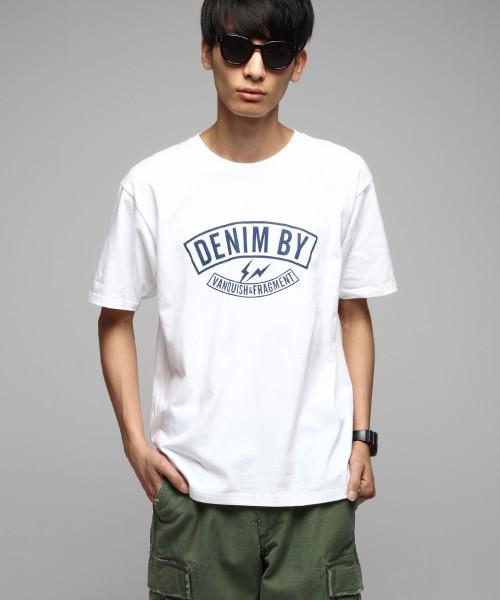 [DENIM BY VANQUISH&FRAGMENT] デニムバイヴァンキッシュフラグメント ロゴプリントクルーネックTシャツ[VFC1058]