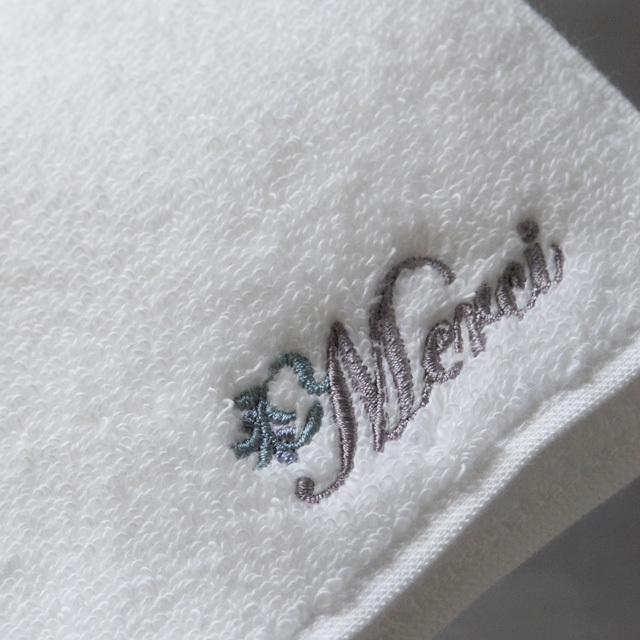 メルシー刺繍のミニハンカチ(タオル素材)。高級綿糸、スーピマコットン。