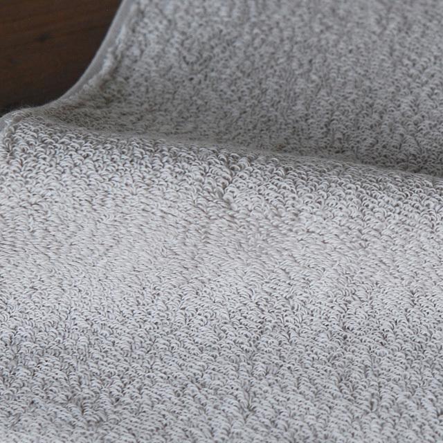 フランジュールの高級タオル。リネンやコットンを使って丁寧にお造りしております。
