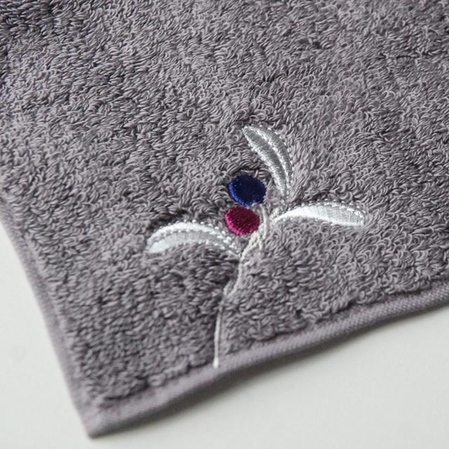 フランジュールのオリジナルタオル、幸運のモチーフを使った、ボヌールシリーズ。刺繍入り。美しいカラーバリエです。