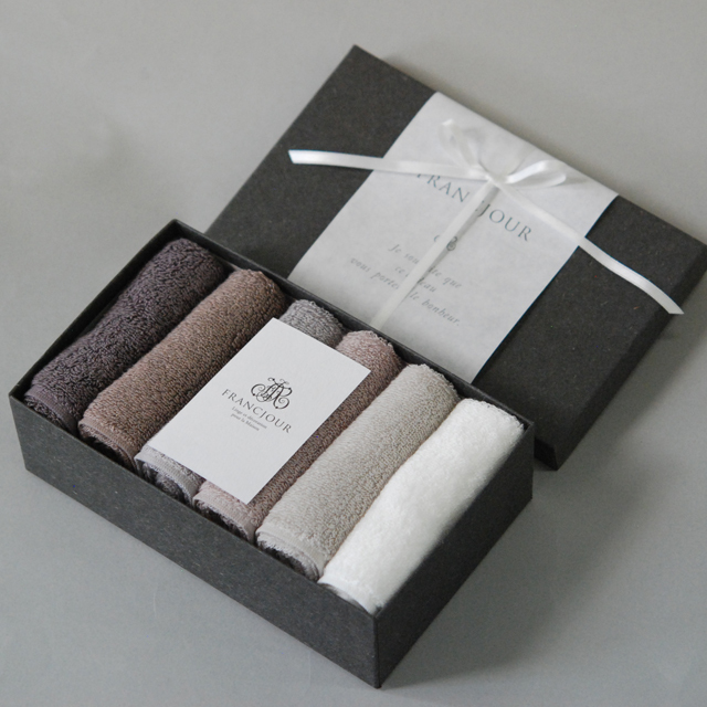 フランジュールの高級タオル、デコール。上質なリネンやコットンを使った美しいタオルです。