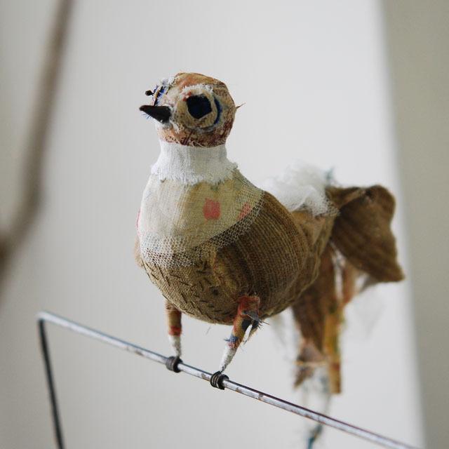 南仏アヴィニョン VOXPOPULI ヴォックスポプリのオブジェ。懐かしさと新しさが不思議な調和を醸し出す作品です。