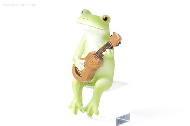 Copeau ウクレレを弾くカエル(70551)【宅急便配送】