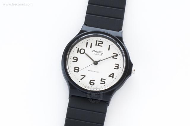 CASIO 腕時計 ラウンド ホワイト(MQ-24-7B)【クロネコDM便OK】