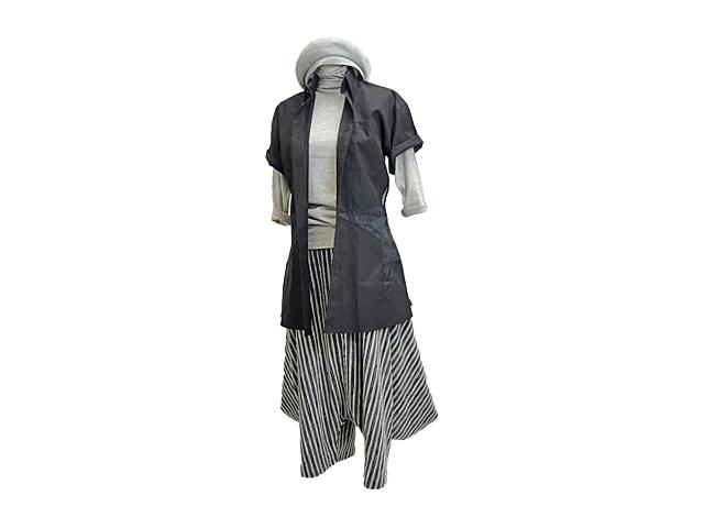 【J-P・ゴルチエ】レディ-ス◇40サイズ☆日本のMサイズ感覚♪最高のデザイナー イタリア製 スターカットシャツ☆彡