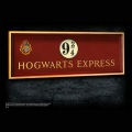 「ハリー・ポッター」9と3/4番線サイン