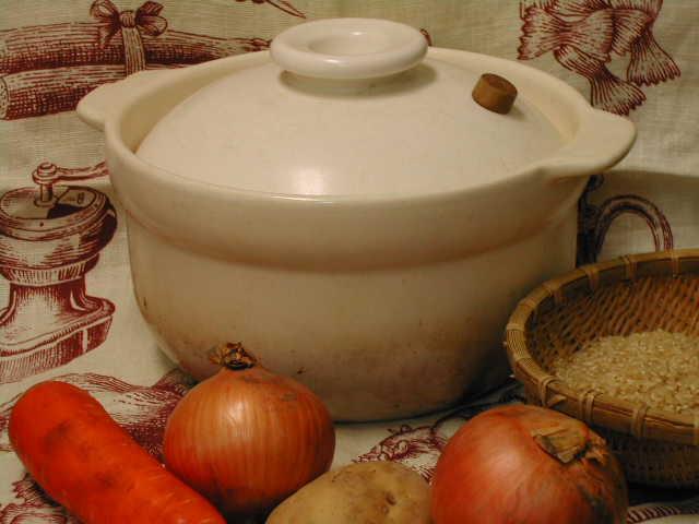 遠赤外線効果と二重蓋の肉厚釜が玄米をふっくらと炊きあげる・ビギナーさんでも大丈夫【炊飯用土鍋