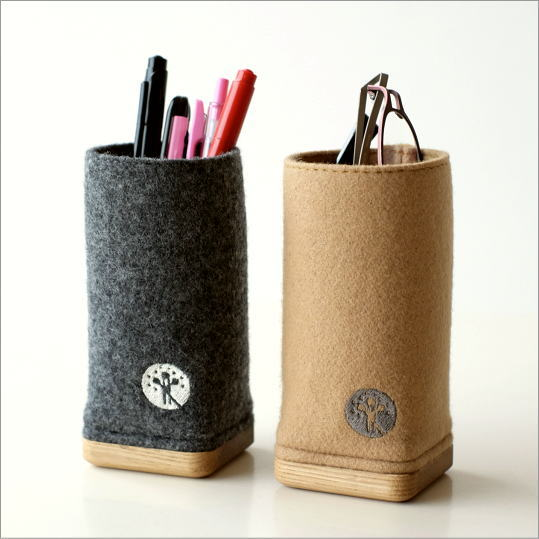 ウールメルトンと木のペン立て 2カラー