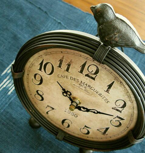 置き時計 レトロ おしゃれ アンティークな置時計 A