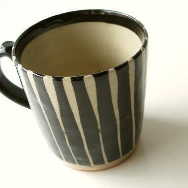 マグカップ 陶器 モダン 縦縞 おしゃれ コーヒーカップ 美濃焼 黒十草マグ