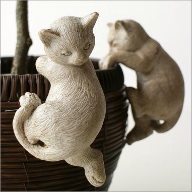 猫 引っ掛けオブジェ 雑貨 置物 インテリア かわいい ねこ やんちゃな2匹の子ネコ ホワイト