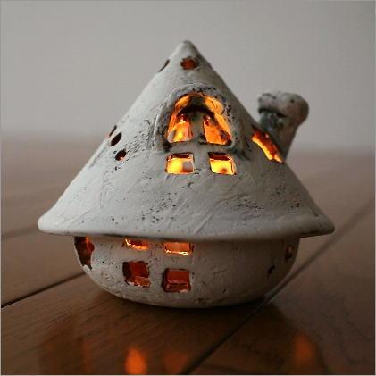 陶器のキャンドルハウス